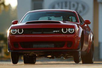 Száz fotón, két videón a világ leggyorsabb utcai autója