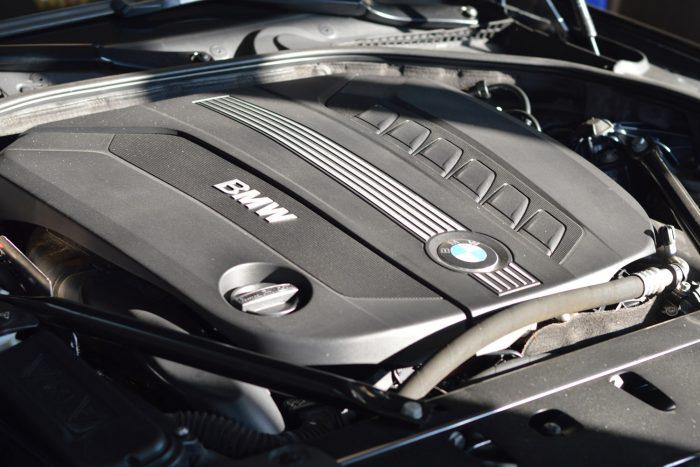 Rendesen működik, de sok hibalehetőséget tartogat és magas karbantartási kiadásokat vonz magával használtan az előző 5-ös BMW