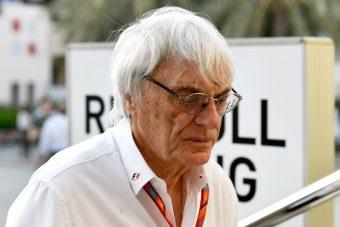 Ecclestone F1-es belháborút szít
