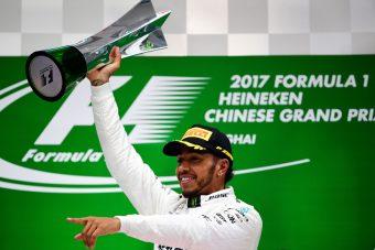 F1: Hamilton a kínai császár