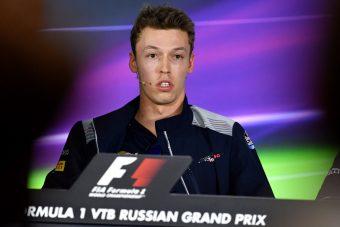 F1: Torpedóval a fején indul az orosz pilóta