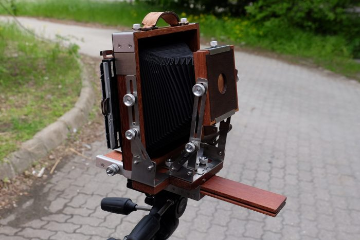 Igazi kamera, lyukkamera feltéttel
