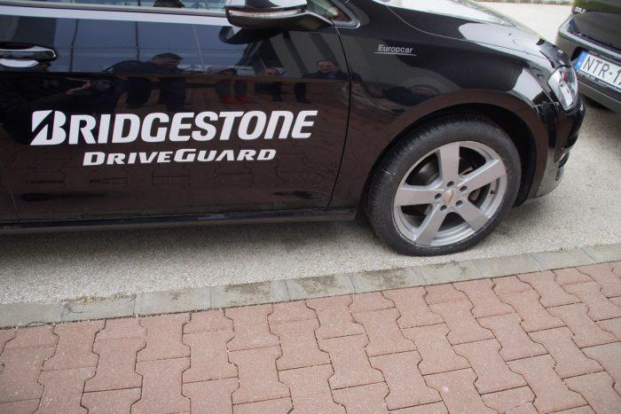 A teljesen leeresztett Bridgestone Driveguard