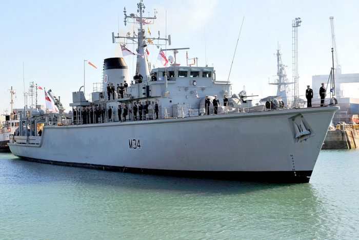 HMS-Middleton-Heads-for-the-Gulf