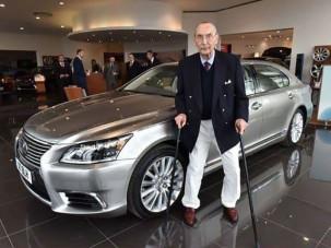 Meglepte leghűségesebb vevőjét a Lexus