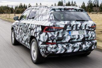 Negyed óra gyönyör Škoda-rajongóknak: videón a Karoq kompakt SUV