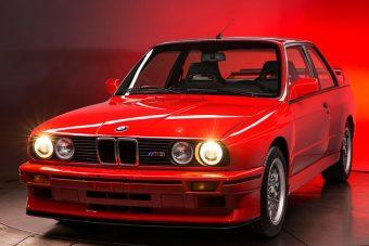 Zsír új BMW E30 M3-ast valaki?