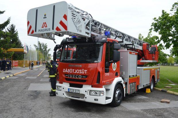 A Magirus-Iveco darus tűzoltóautót elsősorban a magasházakban keletkező tüzeknél lehet hatékonyan bevetni.