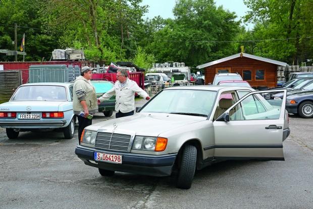 Auto Strixner: 260 euró - Peter Strixner otthon van a Mercedes-Benzek területén. Az ő ajánlata volt a legviccesebb.
