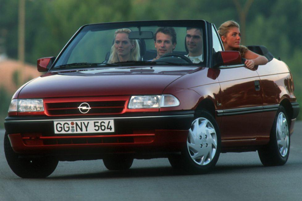 Az Opel Astra F nyitható tetővel tökéletes lehet, ha csak ez számít