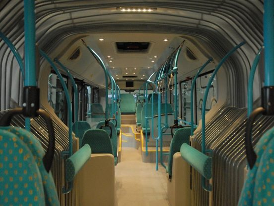 Az autóbuszok utasterében fedélzeti kamerák is vannak.
