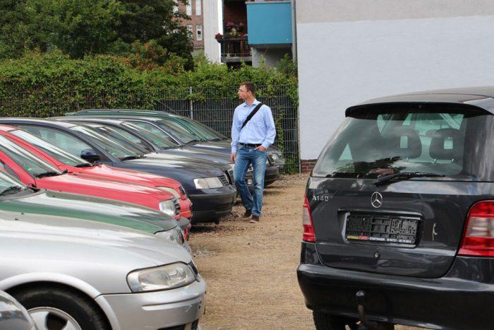 Külföldi használt autóknál a környezetvédelmi besorolástól és a hengerűrtartalomtól függ a regisztrációs adó összege. 2005-ös, 1,6-os benzines motorral az Euro 3-as regadója kb. 72 000, az Euro 4-esé 48 500 Ft. 1,4-es helyett 1,6-os motort választva az eltérés 2005-ös évjárattal Euro 3-as motorok között 17 000, illetve Euro 4-gyel nagyjából 12 000 forint