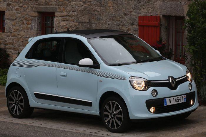 Renault Twingo (gyártáskezdettől 2015. július 6-ig / december 16-ig) Rossz minőségű hegesztés miatt menet közben leválhat a motorházfedél külső héja. Ugyanennél a harmadik generációs modellnél leválhat a hátsó légterelő is, a szélvédőből kiszakadva üvegszilánkokat vihet magával.