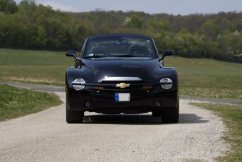 A GM legjobb vicce: kabrió kisteher Corvette-motorral