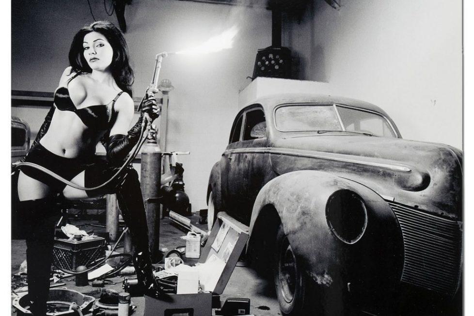 9339-torched-black-white-hot-rod-girl-garage-man-cave-metal-wall-art-l16177818-yte6ejctheawsfesxczn