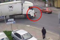 Kanyarodó kamion darált le egy kerékpárt, de vajon a sofőr a hibás? 1