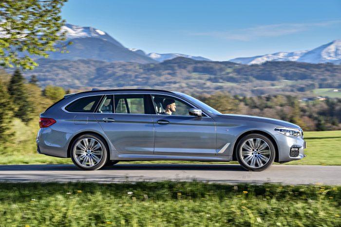 5-ös BMW-ből már a hetedik generációnál tartunk, a Touring modell csak az E34-estől része a kínálatnak