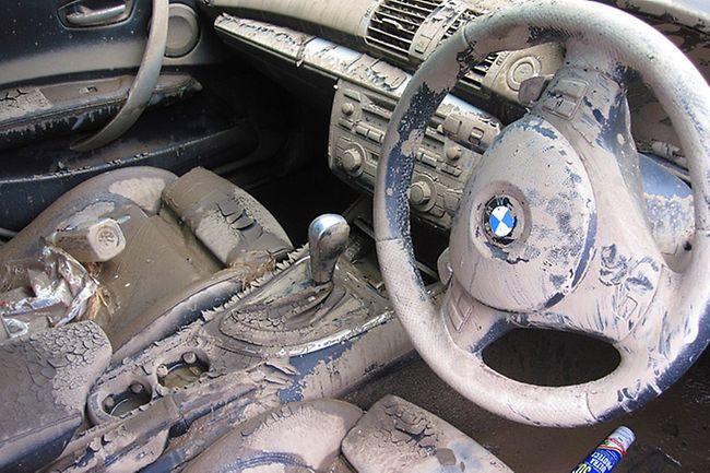 flood-damage-interiors-car
