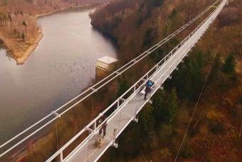Átadták a világ leghosszabb gyalogos függőhídját