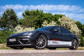 A Porsche Panamera Turbo új szintre emeli a boldogságot