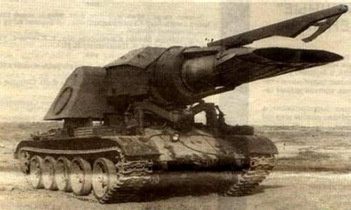 Progvev-T - Csak az orosz hadviselés furcsaságainak köszönhetően nem rohantak le még minket az idegenek. Kémeik ebben a szerkezetben biztos halálos plazmaágyút láttak, pedig ez csak egy T-55-ös tank és egy MIG sugárhajtómű szerelemgyereke. Célja eredetileg aknamezők felszámolása lett volna hő segítségével, de később inkább extrém tűzoltóként vált be