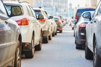 Adókedvezményt akarnak a magyar autósoknak
