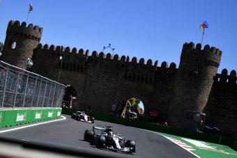 F1: A világbajnoknak tíz kör kell Bakuban