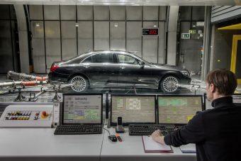 Gigantikus visszahívás a Mercedesnél