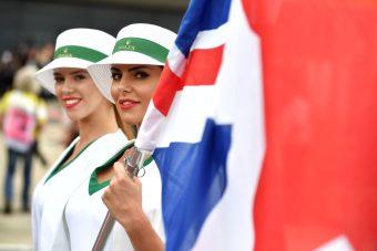 F1: Kiakadt a feleslegessé vált grid girl