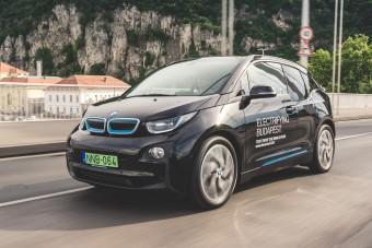 Újabb magyar városokban lehet ingyen parkolni