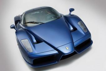 Kinek kell piros Ferrari Enzo, ha vehet kéket is?