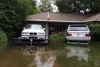 Így menti meg a BMW-ket a hurrikán elől a hős rajongó