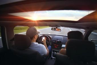 Rémisztő dolgok derültek ki az autóban mobilozásról