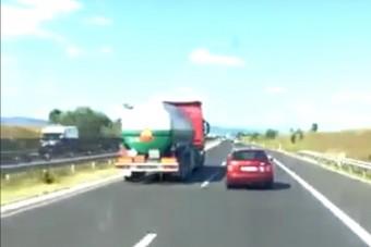 Vajon Mad Max vezette ezt a kamiont az M7-esen?