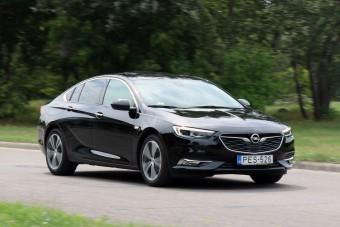 Itthon teszteltük, mit ér az Opel csúcsmodellje