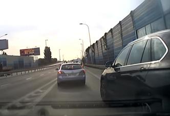 Két apró, de rendkívül bosszantó autós tahóság, közös gyökérrel