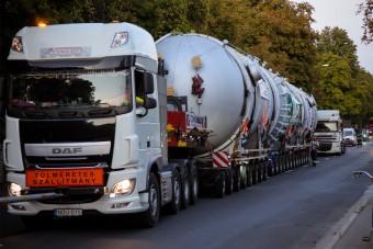 250 tonnás gépszörny tart Borsodba