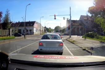 Egy picit arcátlan volt ez a magyar autós, nézd meg
