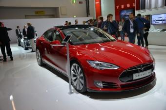 A Tesla durván túlvállalta magát