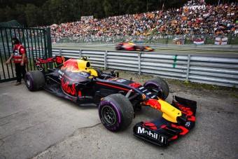 F1: A Renault előnyben részesíti a Red Bullt
