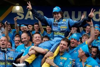 F1: Alonso megverte Schumit, történelmet írt - videó