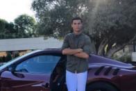 Ezzel az autóval érkezett Cristiano Ronaldo a Manchesterhez 2