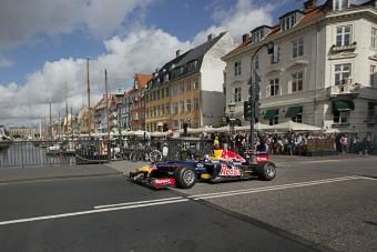 Dániát fűzik az F1 fejesei
