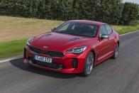 Gyors autónak gyors a fedélzeti rendszere is? – Kia Stinger 1