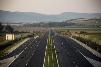 Átírta a kormány a fontos útfejlesztéseket