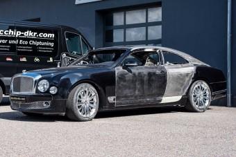 Őrült németek nekiálltak kupét csinálni egy Bentley Mulsanne-ból