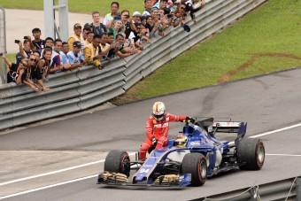 F1: Vettelék megúszták a büntetést - videó