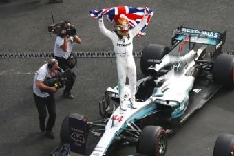 Lewis Hamilton: Csodaújoncból négyszeres világbajnok