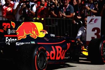 F1: Verstappen büntetése miatt őrjöngenek a Red Bullnál - videó