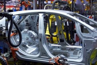 Újabb botrány: selejtes fémből készültek autók, repülők
